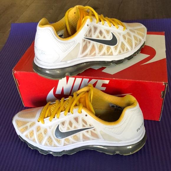 superior quality 35e7f b9316 ... Nike air max livestrong ...